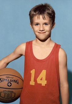 OH MY GOSH this is adorable - Drew Brees at age 6!