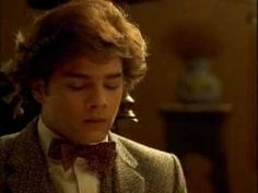 Like Water for Chocolate (1992) by Alfonso Arau - Part cooking, part love story and part magical realism, the film shows the transformative powers of #food. I admit I mainly watched because of Marco Leonardo, whom I loved in Cinema Paradiso! Also, doesn't the girl look like a Mexican Marcia Brady? No? Just me?