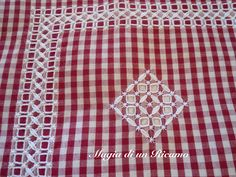 "Pretty border effect - chicken scratch - Magia di un Ricamo: Viva la ""Broderie Suisse""!!!!!"