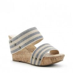 Comfortable platform sandal with cork wedges, striped fabric straps and stud details