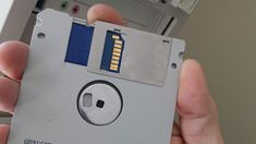Moddnstine isn't the first modder to build a new PC into an old IBM case, but might be the first to build a working floppy disk to go with it. Electronics Gadgets, Electronics Projects, Arduino, Valve Amplifier, Back In The 90s, Sr1, Floppy Disk, Old Computers, Computer Technology