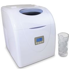 The High Capacity Countertop Ice Maker - Hammacher Schlemmer want this