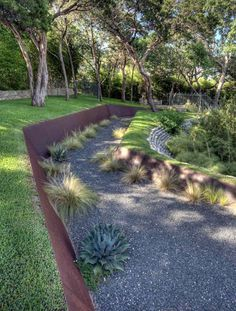 Steel Retaining Wall Design Ideas, Pictures, Remodel and Decor Steel Retaining Wall, Backyard Retaining Walls, Retaining Wall Design, Building A Retaining Wall, Landscaping Austin, Modern Landscaping, Backyard Landscaping, Landscaping Ideas, Landscaping Software