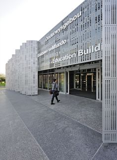 Gallery of Stellenbosch University Faculty of Medicine / MLB Architects - 12