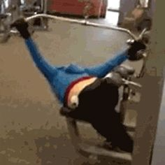 Never knowing how gym equipment works. | 23 Things People Who Never Pay Attention Understand