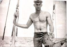 Vintage Sailor, Vintage Men, Mature Men, 8th Of March, Handsome, Vintage Photographs, Boats, Connect, Mens Fashion