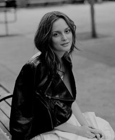 Breathtaking Queens - Leighton Meester Source by - Pretty People, Beautiful People, Leighton Marissa Meester, Adam Brody, Headshot Poses, Ed Westwick, Nia Long, Actress Christina, Queen B