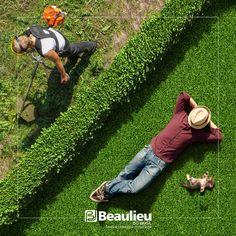 Grama sintética decorativa.    #grama #decor #praticidade #beaulieudobrasil #grass #pisos #piso