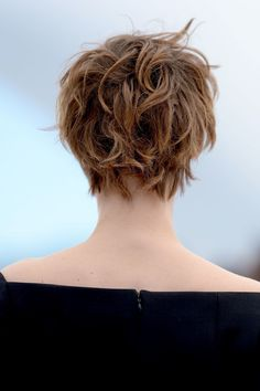 louise short haircut cannes back