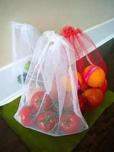 """Here's a project I've been meaning to do for ages. I think I was putting it off because it was so simple that it somehow kept getting p pushed aside by other (perhaps more exciting?) projects. Anyway, today I thought """"aw c'mon already, I'm just gonna do this."""" And I did! Reusable produce bags! Say…"""