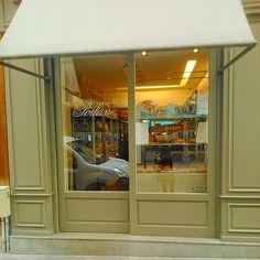 «Poilane. Marais branch. #パリ #poilane #marais #maraisnord»