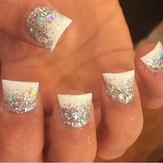 White and silver sparkely nails Love Nails, How To Do Nails, Pretty Nails, Fan Nails, Nail Art And Spa, Professional Nails, Fabulous Nails, Cute Nail Designs, Manicure And Pedicure