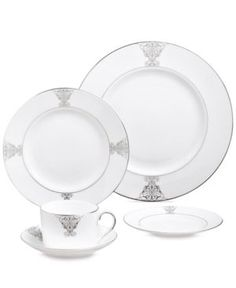 "Vera Wang Wedgwood ""Imperial Scroll"" Pasta Plate"