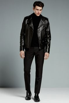Black is always the new black. We break down eight easy ways you can rock head-to-toe black this season, from murdered-out watches and sneakers to slick black outerwear and accessories. Mens Fashion Suits, Fashion Outfits, Men's Fashion, Fashion Tips, Moda Indie, Outfits Hombre, Wearing All Black, Looks Black, Stylish Mens Outfits