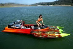Nice curves and paint too Sport Boats, Ski Boats, Drag Boat Racing, Tv En Direct, Flat Bottom Boats, Utility Boat, Boat Girl, Fast Boats, Vintage Boats