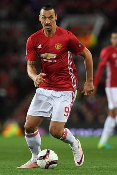 Manchester United's Swedish striker Zlatan Ibrahimovic runs with the ball during the UEFA Europa League group A football match between Manchester United and Zorya Luhansk at Old Trafford stadium in Manchester, north-west England, on September 29, 2016. / AFP / PAUL ELLIS