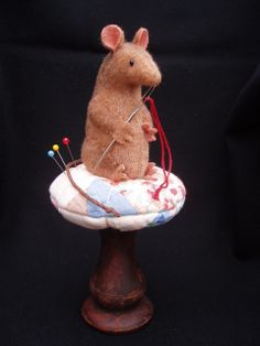 Sewing Mousie - Beehive Cottage - lwemporium.com