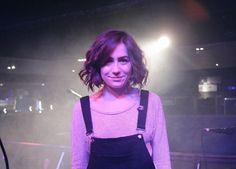i love her newish shorter than before hair!!