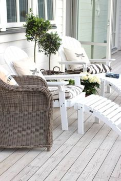 Outdoor Deck Ideas - Think outside the typical timber system with smart layout ideas for a series of setups as well as spending plans. Outside Living, Outdoor Living, Terrace Roof, Garden Furniture, Outdoor Furniture Sets, Outdoor Spaces, Outdoor Decor, Backyard Pergola, Pergola Kits