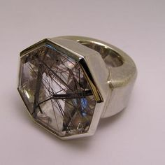 uhu: ring rutil quartz.    @Ruedi Derks Goldschmied Schmuck Winterthur