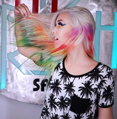 The psychedelic colors you dip-dyed on white t-shirts at summer camp have made their way onto hair.The same technique of taking rubber bands and tightly wrapping them around in sections, can be applied to Pravana Guest Artist Rickey Zito s . Tie Dye Hair, Dyed Hair, Beauty Tips For Hair, Beauty Hacks Video, New Hair Trends, New Trends, Dip Dye T Shirts, Coloured Hair, Elastic Hair Bands