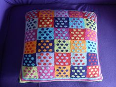 Free Pattern: Domino Cushion by Kaffe Fassett This pattern would also make a nice scarf