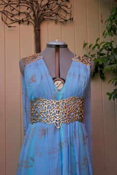 Daenerys Targaryen Belt and Shoulder Costume door twowhitewolves, $85.00
