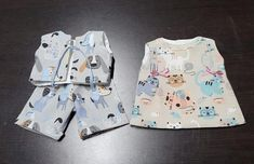 Hecha a mano con nuestras lonetas Miau y Guau, ambas con un ancho de 2.80 m.   www.cukistore.es Rompers, Dresses, Fashion, Fotografia, Photos, Vestidos, Moda, Fashion Styles, Romper Clothing