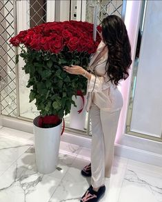 Aesthetic Girl, Aesthetic Clothes, Creative Valentines Day Ideas, Modern Henna Designs, Business Professional Women, Beautiful Love Pictures, Baby Girl Pictures, Pink Wedding Dresses, Elegantes Outfit