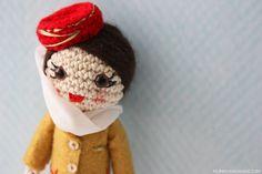 Azafata Fly Emirates amigurumi / Amigurumi Fly Emirates Cabin Crew