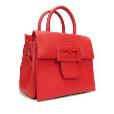 MAISON MARGIELA. Small textured leather bag with buckle.  Borsa realizzata in pelle leggermente testurizzata. Presenta una linguetta con chiusura magnetica sul davanti - decorata da una grande fibbia. Tracolla rimovibile. La borsa ha sul retro i quattro punti caratteristici di Maison Margiela. Altezza - 21 cm. Lunghezza - 24 cm. Profondità  -13 cm. Col. Rosso. Made in Italy.  #Margiela2017 #Margiela #MaisonMargiela #BorseDonna #Moda #Fashion #MontorsiBoutique #ViaEmilia87 #MontorsiModena…