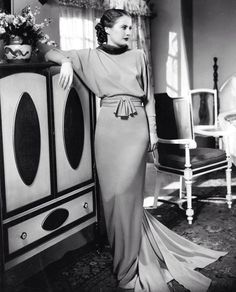Barbara Stanwyck. What elegance!