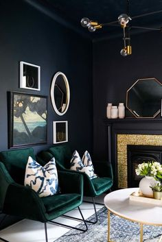 Art Deco Living Room Awesome Dark Blue Walls Green Velvet Chairs Gallery Wall Make for Art Deco Living Room, Dark Living Rooms, Living Room Designs, Living Room Furniture, Dark Green Living Room, Room Art, Modern Living, Dark Rooms, Space Furniture