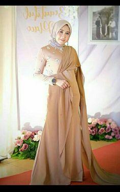 Muslim Fashion, Hijab Fashion, Fashion Dresses, Fashion Muslimah, Fasion, Women's Fashion, Hijab Gown, Hijab Dress Party, Kebaya Dress