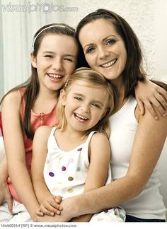 Sibling+Portrait+Poses   portrait of a mother and two daughters [15nk0031rf] > Stock Photos ...