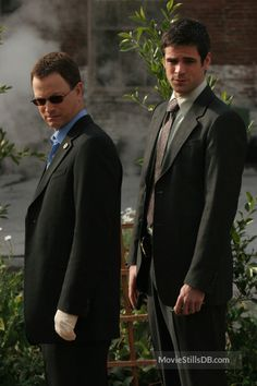 CSI: NY - Publicity still of Gary Sinise & Eddie Cahill. The image measures 1000 * 1500 pixels and was added on 6 April Eddie Cahill, Hill Harper, Claire Forlani, Gary Sinise, Apollo 13, Forrest Gump, Famous Artists, Season 2, Be Still