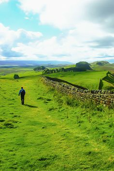 Hiking the magnificent Hadrian's Wall Path in Northumberland National Park England. England And Scotland, England Uk, Oxford England, Cornwall England, Yorkshire England, Yorkshire Dales, London England, Northumberland National Park, England Countryside