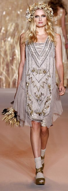 ✪ Native American Inspiration in Anna Sui Ready-To-Wear Spring/Summer 2011 ✪ http://www.vogue.co.uk/fashion/spring-summer-2011/ready-to-wear/anna-sui/full-length-photos#
