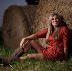 Photography poses for teens country fields 18 Ideas - Top Trends Fall Senior Pictures, Senior Photos Girls, Teen Pictures, Fall Pictures, Senior Girls, Teen Pics, Fall Pics, School Pictures, Girl Photos