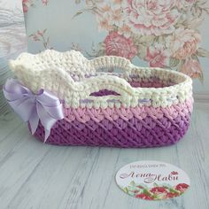 16 Trendy Ideas For Crochet Baby Doll Bed Clothes Patterns Baby Blanket Crochet, Crochet Baby, Knit Crochet, Baby Doll Bed, Baby Dolls, Diy Crochet Basket, Knitting Dolls Clothes, Baby Baskets, Crochet Winter