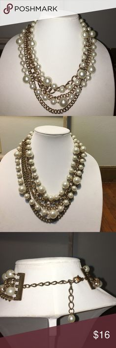 Glamorous Statement Necklace Beautiful faux pearls draped over golden chains. This item is an eye catcher! Jewelry Necklaces
