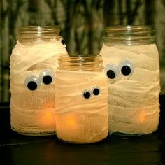Mummy Jars #Halloween #diy crafts.