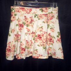 Forever 21 skater skirt Floral. Small. Good look for wearing high-waisted or on waist. Forever 21 Skirts Circle & Skater