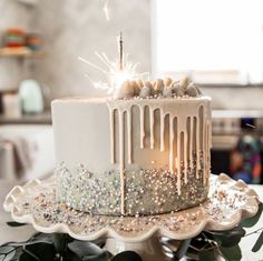 Fairy cake recipe with fairy dust filling for a magical celebration. - Fairy cake recipe with fairy dust filling for a magical celebration. Fairy cake recipe with fairy d - Cute Birthday Cakes, Beautiful Birthday Cakes, Beautiful Cakes, 60th Birthday, Fairy Birthday Cake, Elegant Birthday Cakes, Amazing Cakes, Birthday Cake For Women Easy, Glitter Birthday Cake