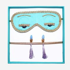 The only thing that could make our Breakfast at Tiffany's Holly Golightly collection items even more exquisite is to present them in these exclusive gift boxes inspired by the Tiffany & Co. little blu