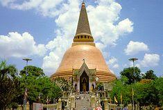 Wat Phra Pathom Chedi, Nakhon Pathom, Thailand.