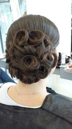 Peinados recogidos con bucles paso a paso
