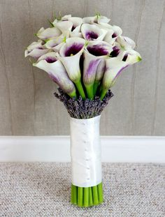 Wedding Bouquets for Every Budget: Luxury Bouquet from The Flower Mill, Essex