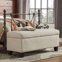 Wyncrest Upholstered Storage Bedroom Bench
