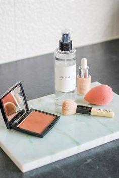 Weekly Favourites - The Perfect Bronzer Anastacia Beverly Hills, Little Bit, Beauty Blender, Bronzer, Anastasia, Makeup Brushes, Serum, Beauty Makeup, Powder